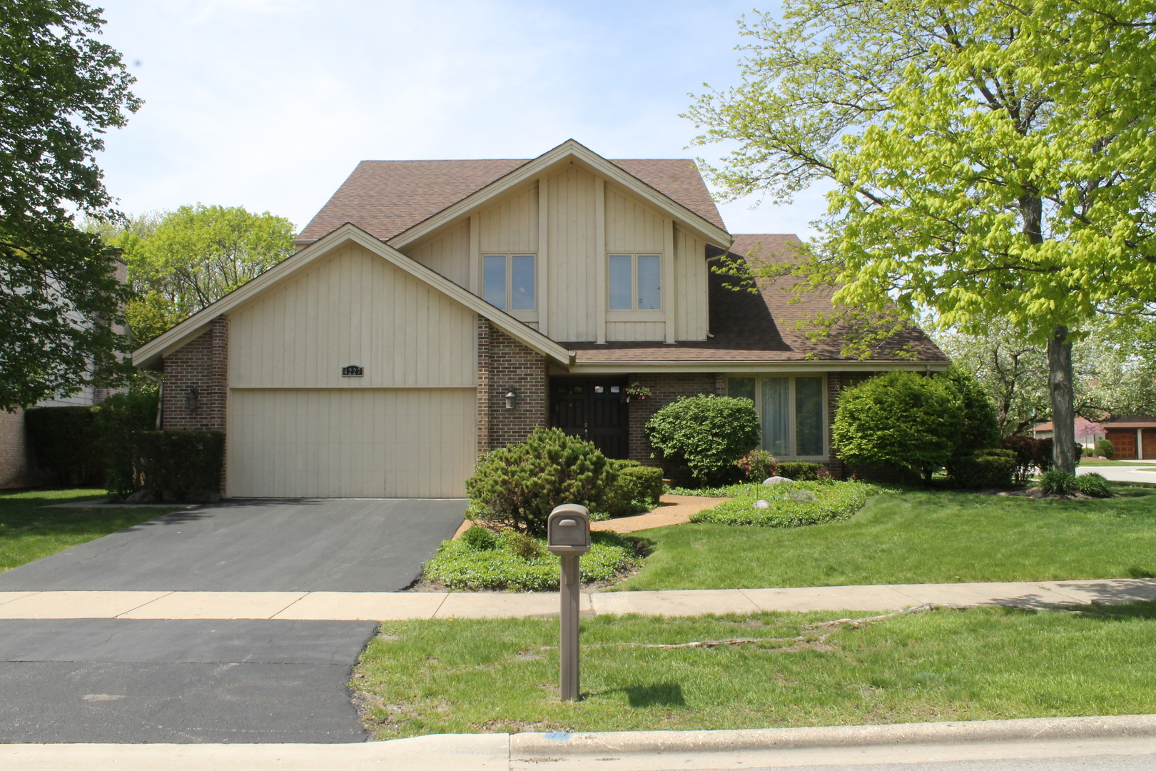 4227 Ridgeland Lane, Northbrook in Cook County, IL 60062 Home for Sale