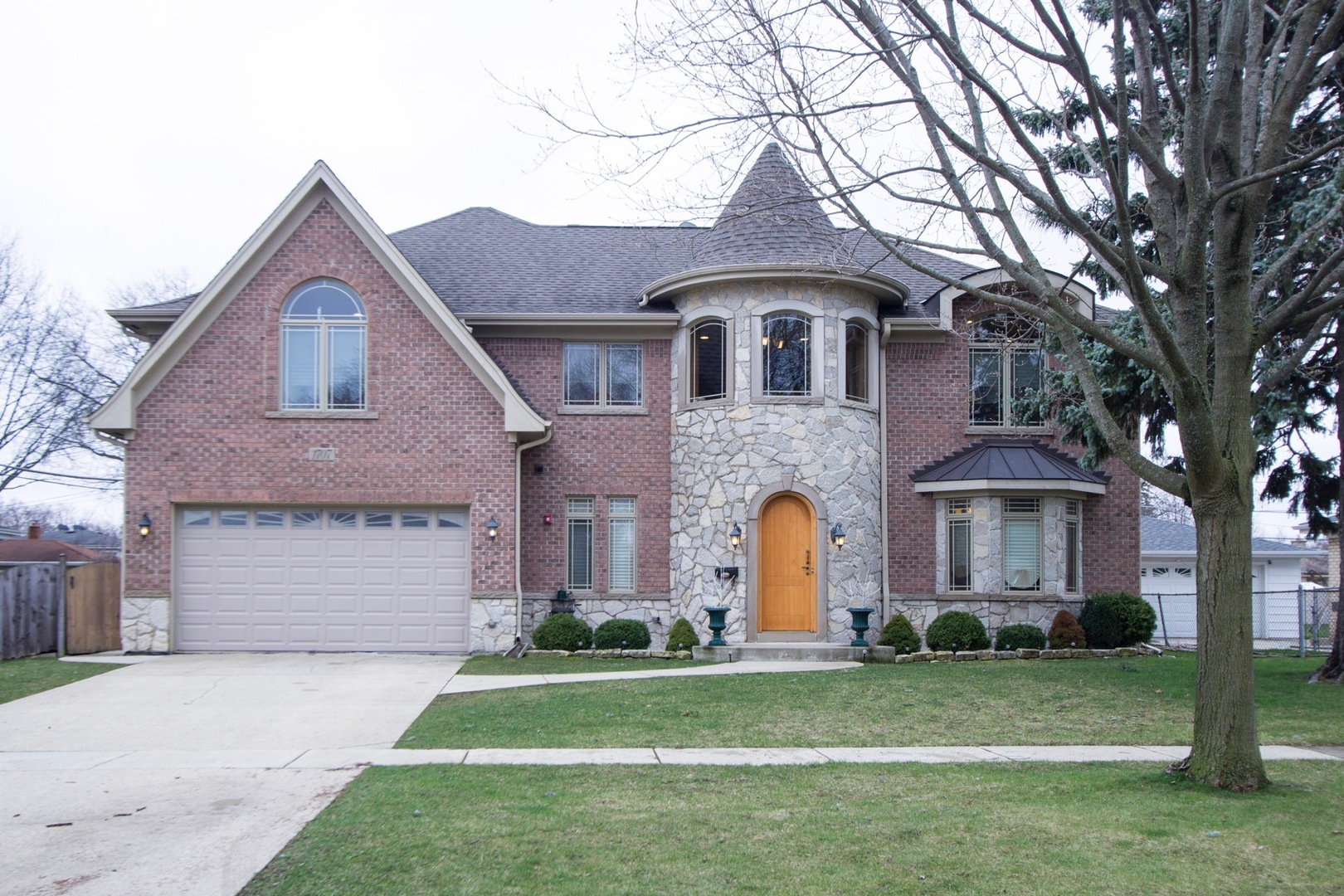 1707 West Lincoln Street Mount Prospect, IL 60056