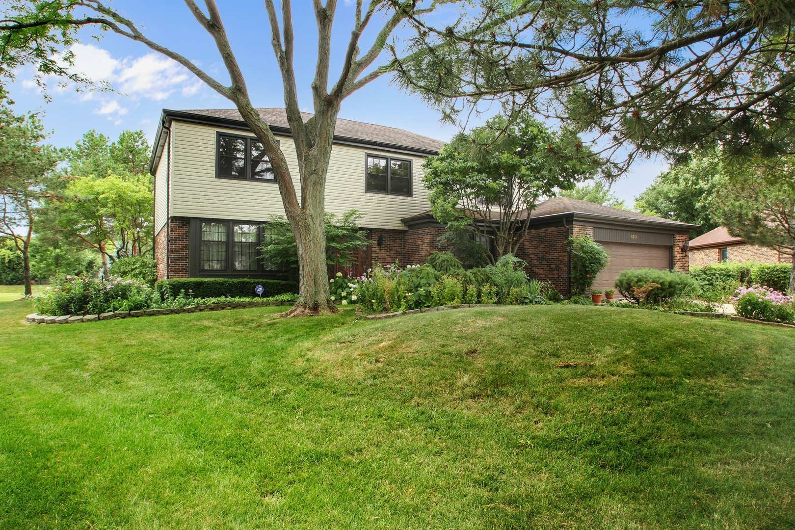 4214 Devonshire Court, Northbrook in Cook County, IL 60062 Home for Sale