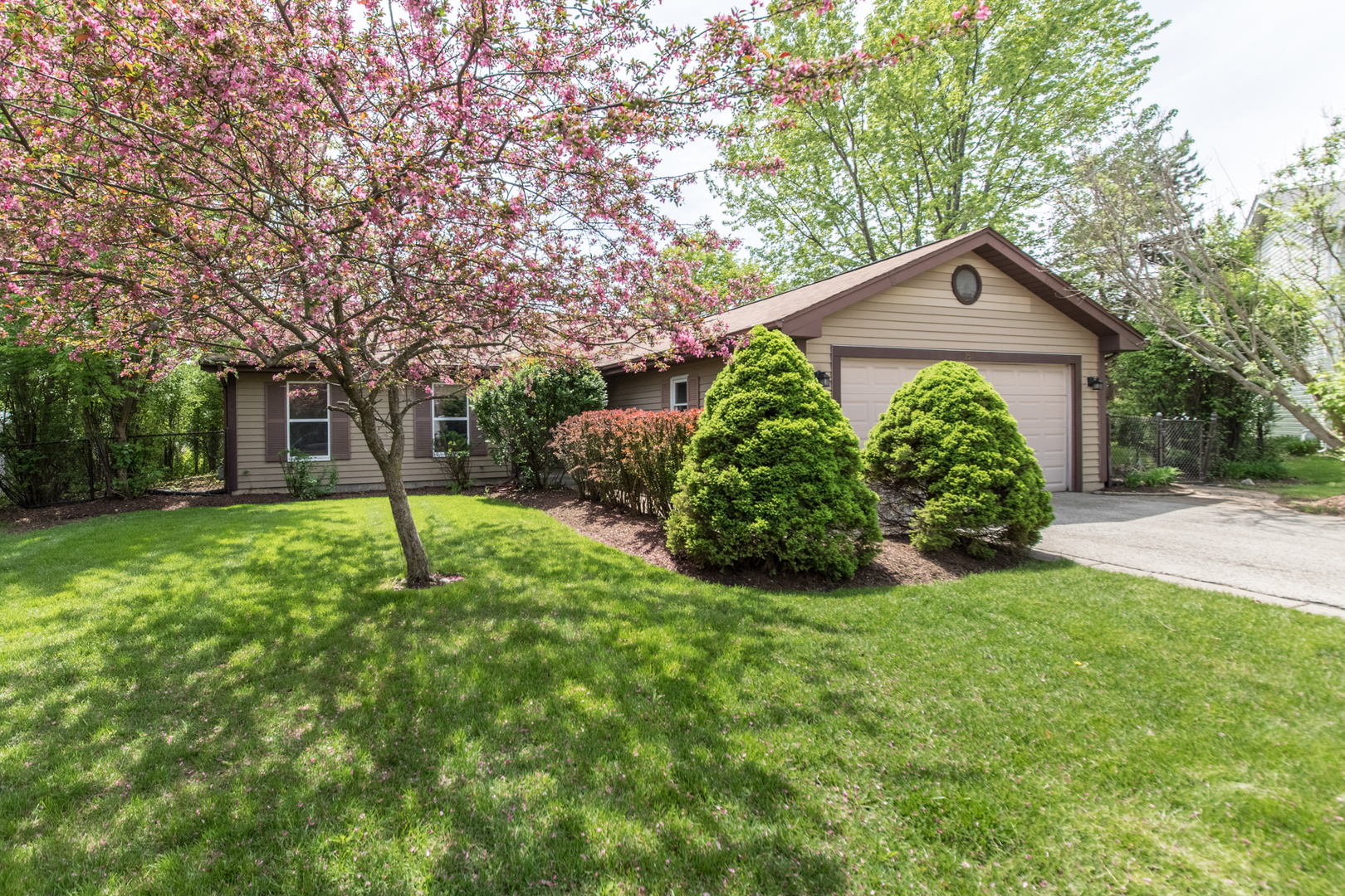 1157 Holly Lane, Algonquin in Mc Henry County, IL 60102 Home for Sale
