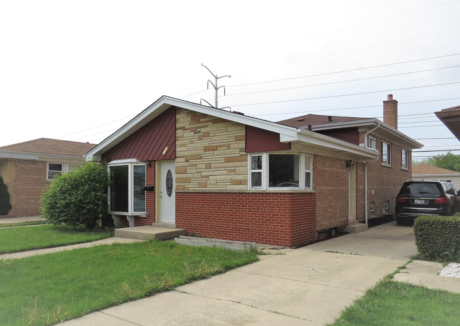 Real Estate in CHICAGO, IL