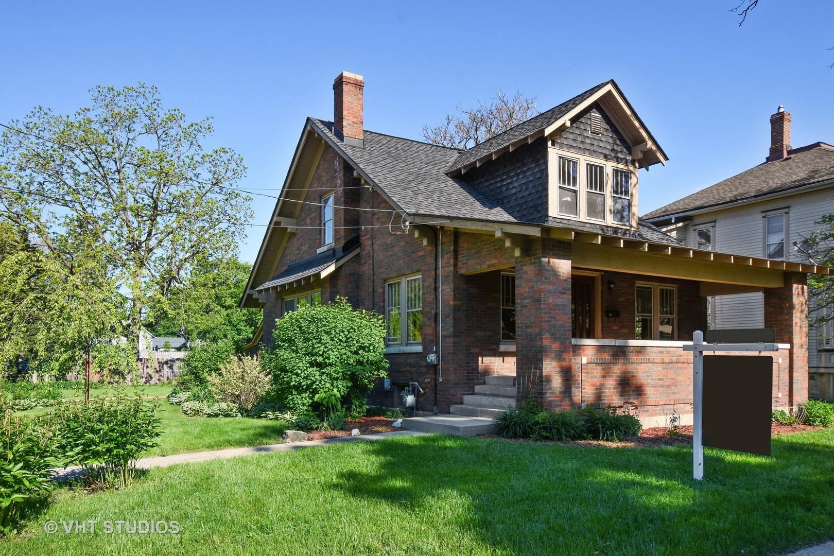 418 South Hough Street, Barrington, Illinois