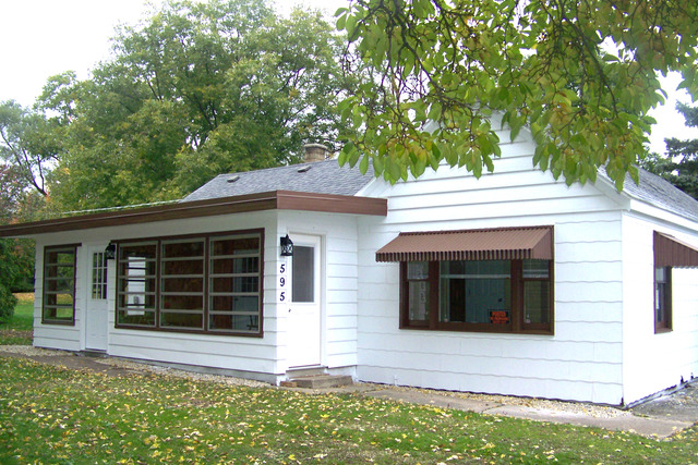 595 South Buesching Road, Lake Zurich in Lake County, IL 60047 Home for Sale