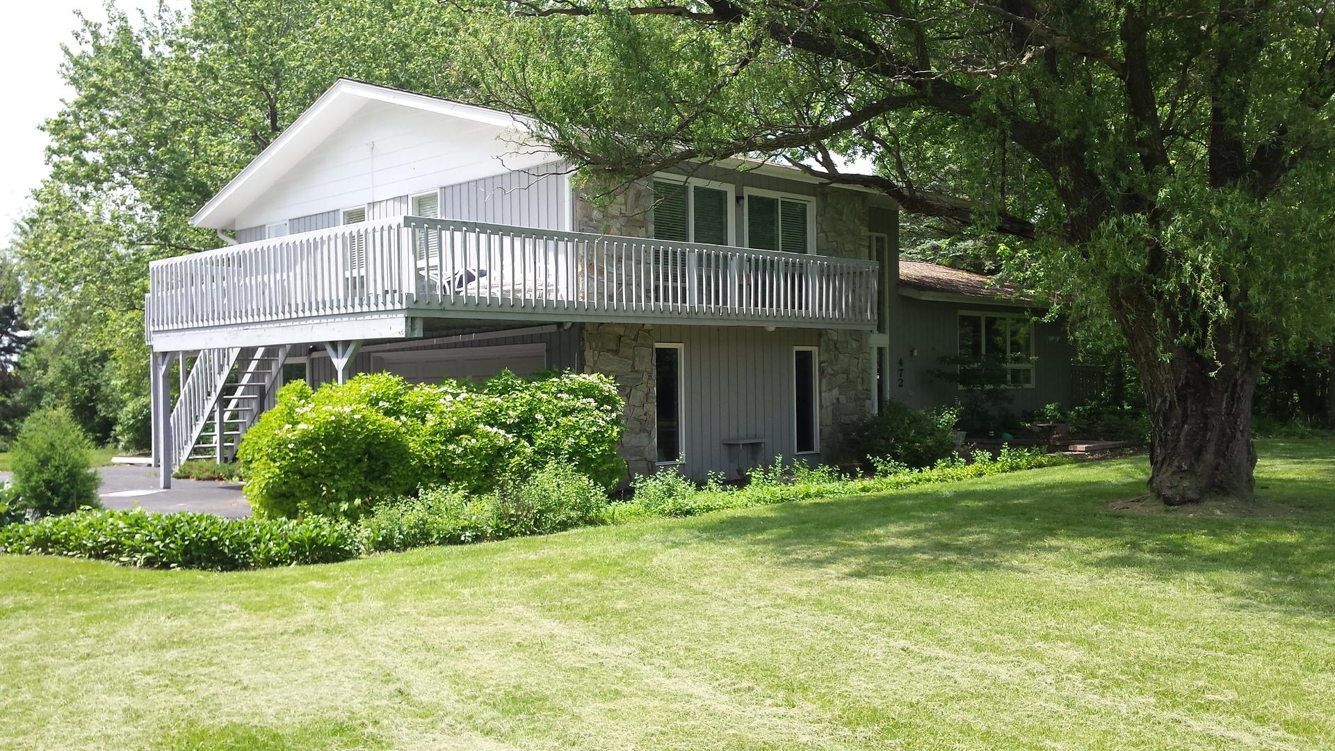 472 KNOLLWOOD Drive, Barrington, Illinois