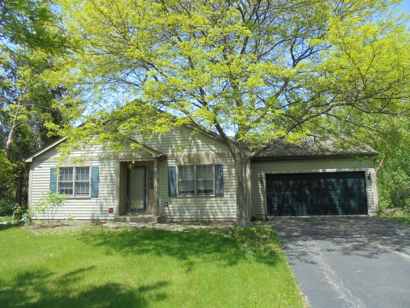 514 Carriage Hill Road ISLAND LAKE, IL 60042