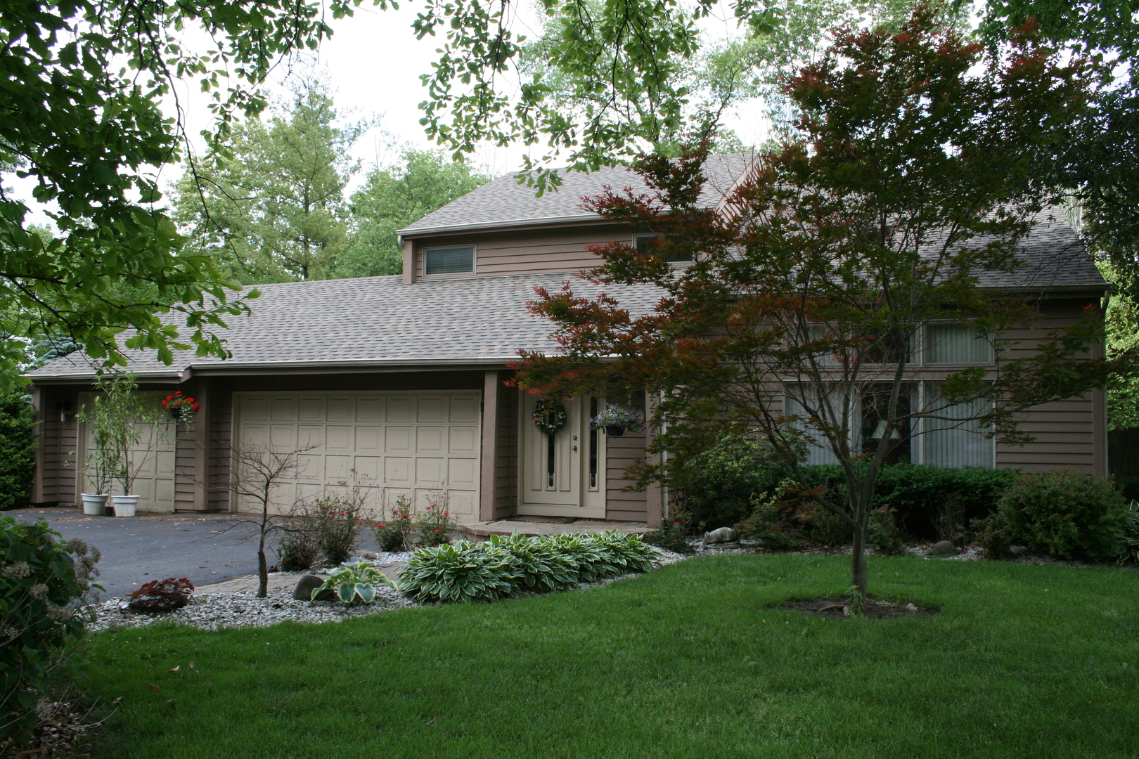 22227 South Gawain Drive, Joliet, Illinois
