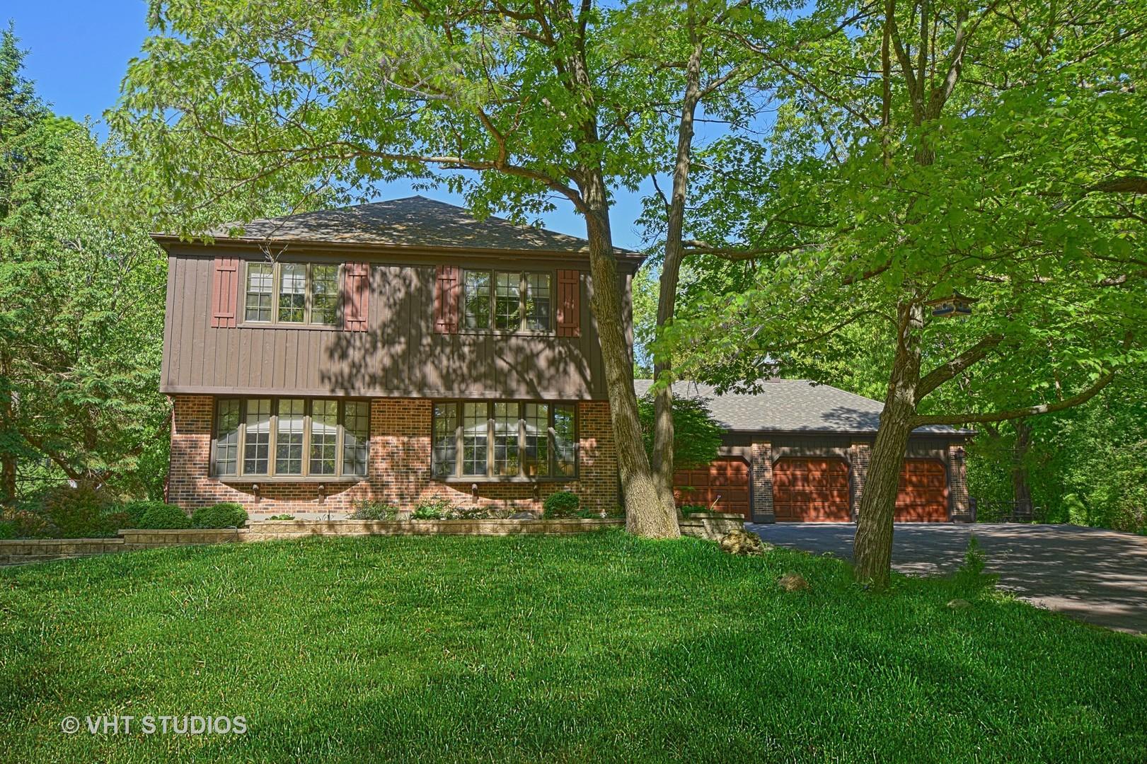 120 Hidden Oaks Drive, Barrington, Illinois