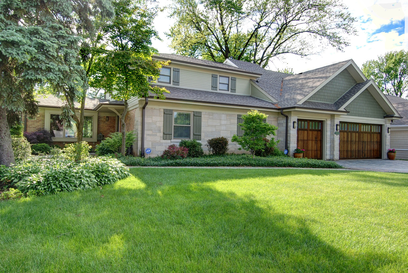 708 South See Gwun Avenue Mount Prospect, IL 60056