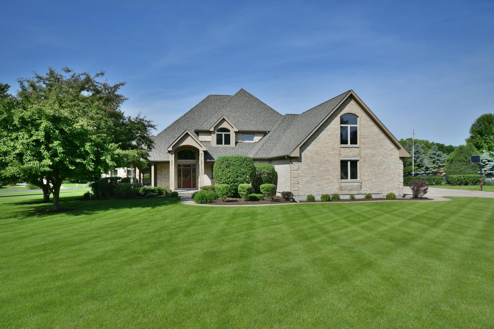 1S802 Grove Hill Drive, Batavia, Illinois