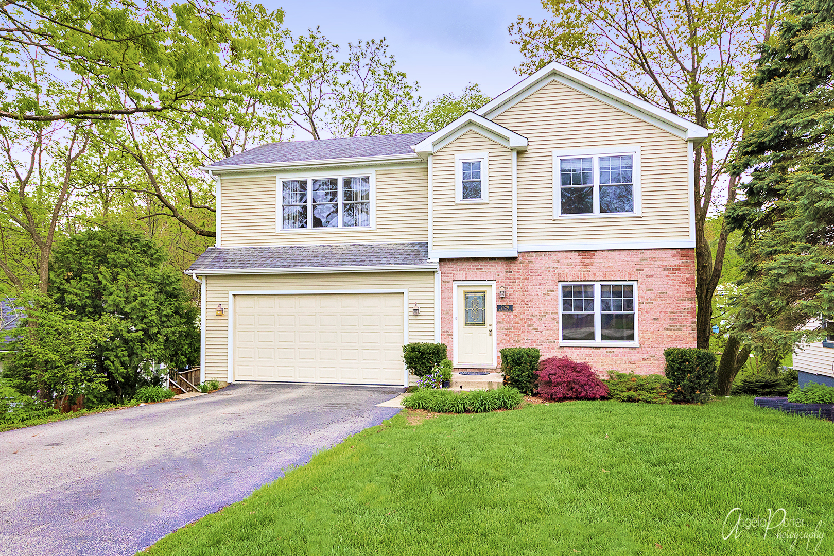 21291 West SHADY Lane, Lake Zurich in Lake County, IL 60047 Home for Sale