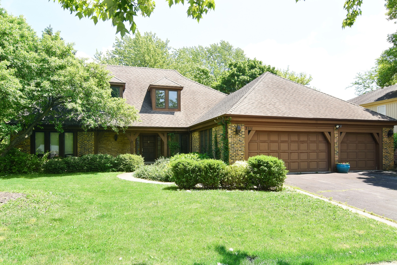 2111 Mallard Drive, Northbrook in Cook County, IL 60062 Home for Sale