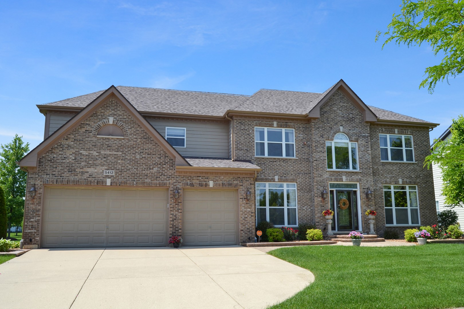 hoffman estates divorced singles Looking for hoffman estates, il single family homes for rent point2 homes has 20 single family homes for rent in the hoffman estates, il area with prices between $930 and $2,800 our newest single family home for rent in hoffman estates, il is from 10/05/2018.