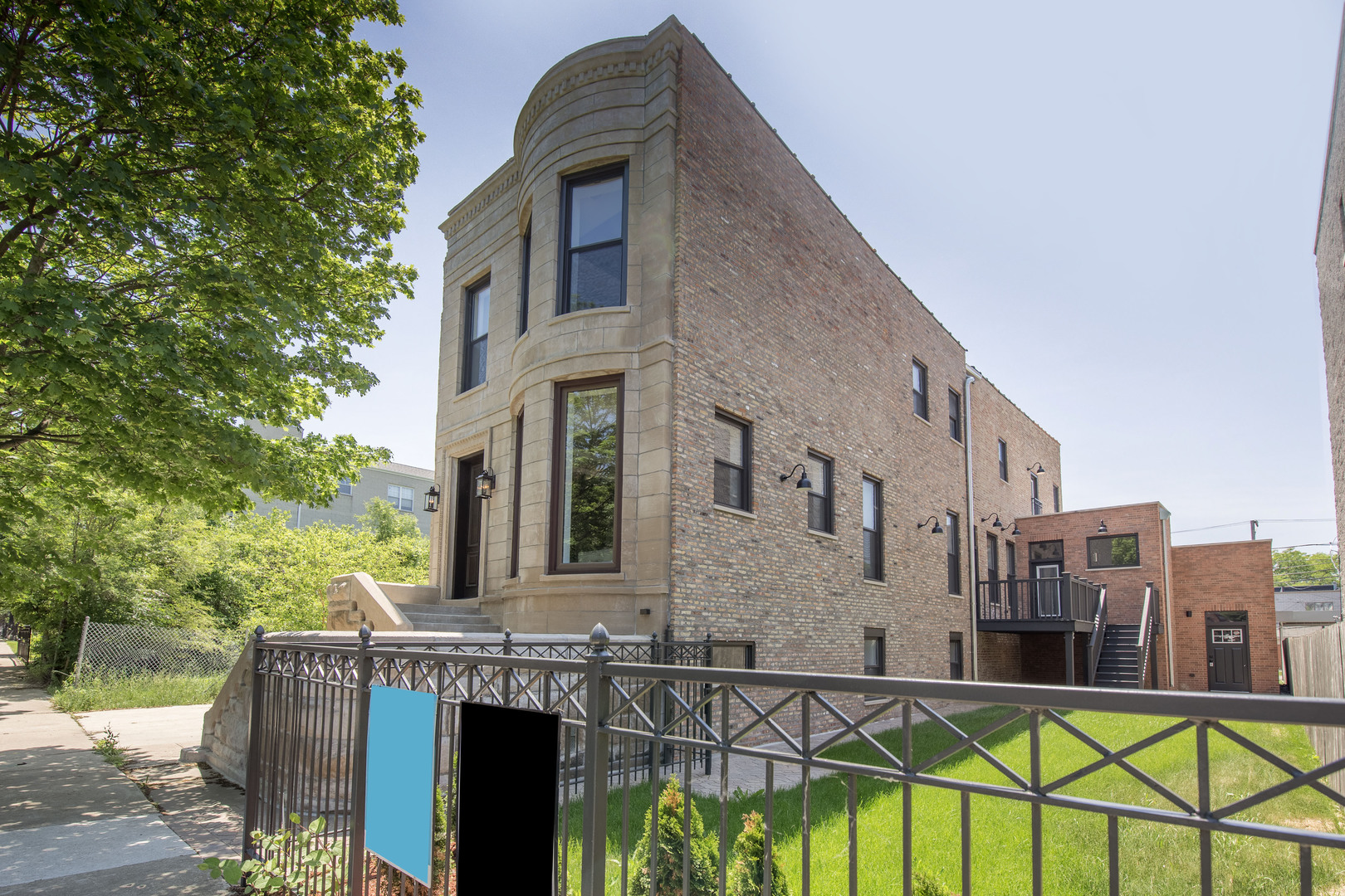 4010 South Ellis Avenue Chicago, IL 60653
