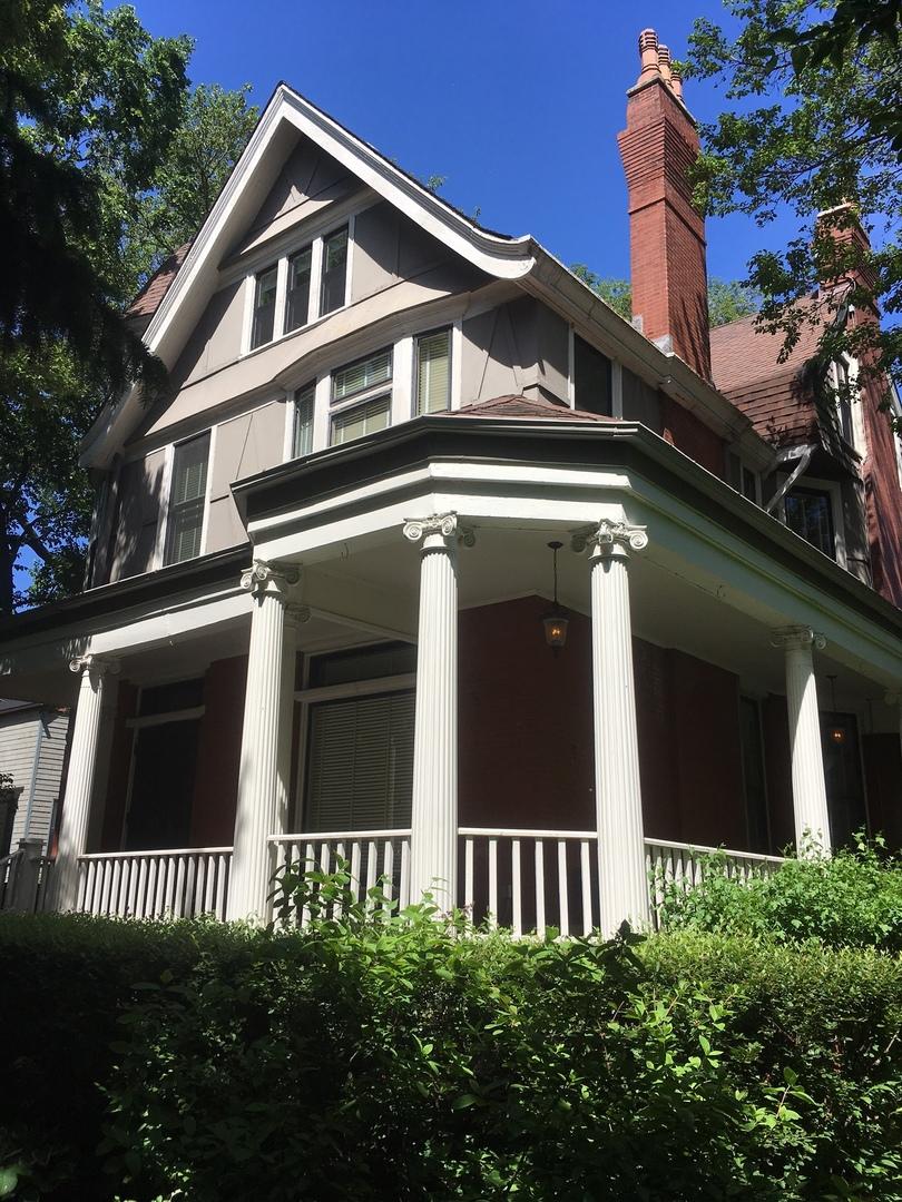 4729 South Woodlawn Avenue Chicago, IL 60615