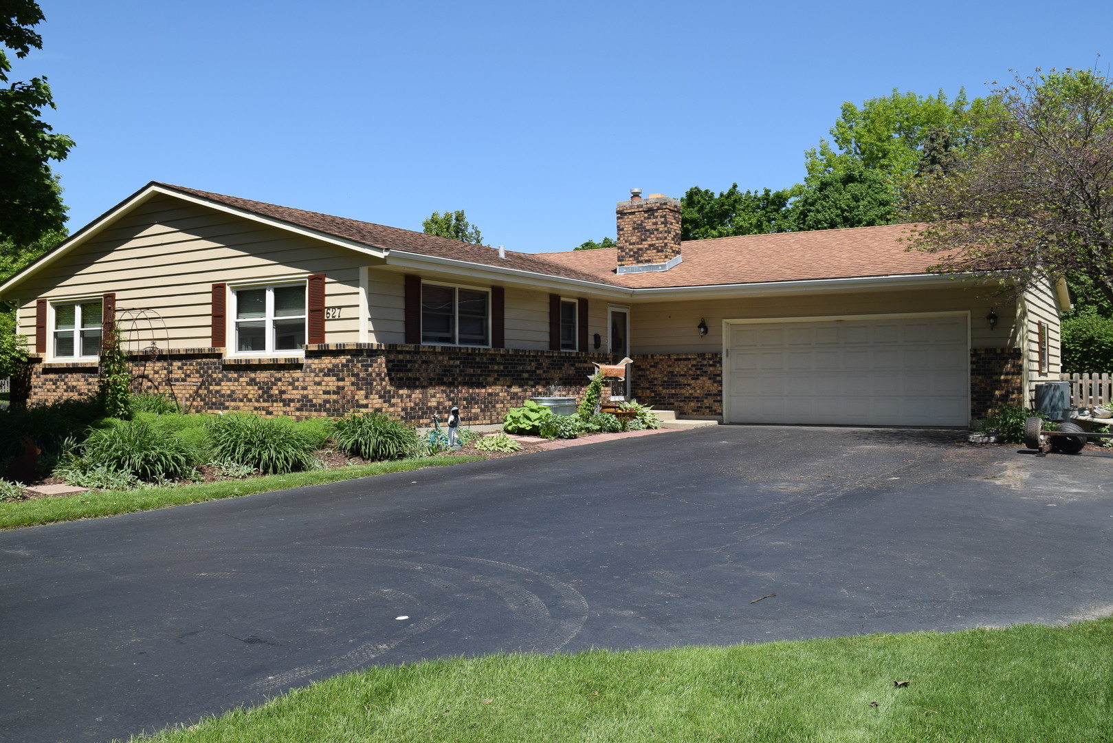 627 Gaslight Drive, Algonquin in Kane County, IL 60102 Home for Sale