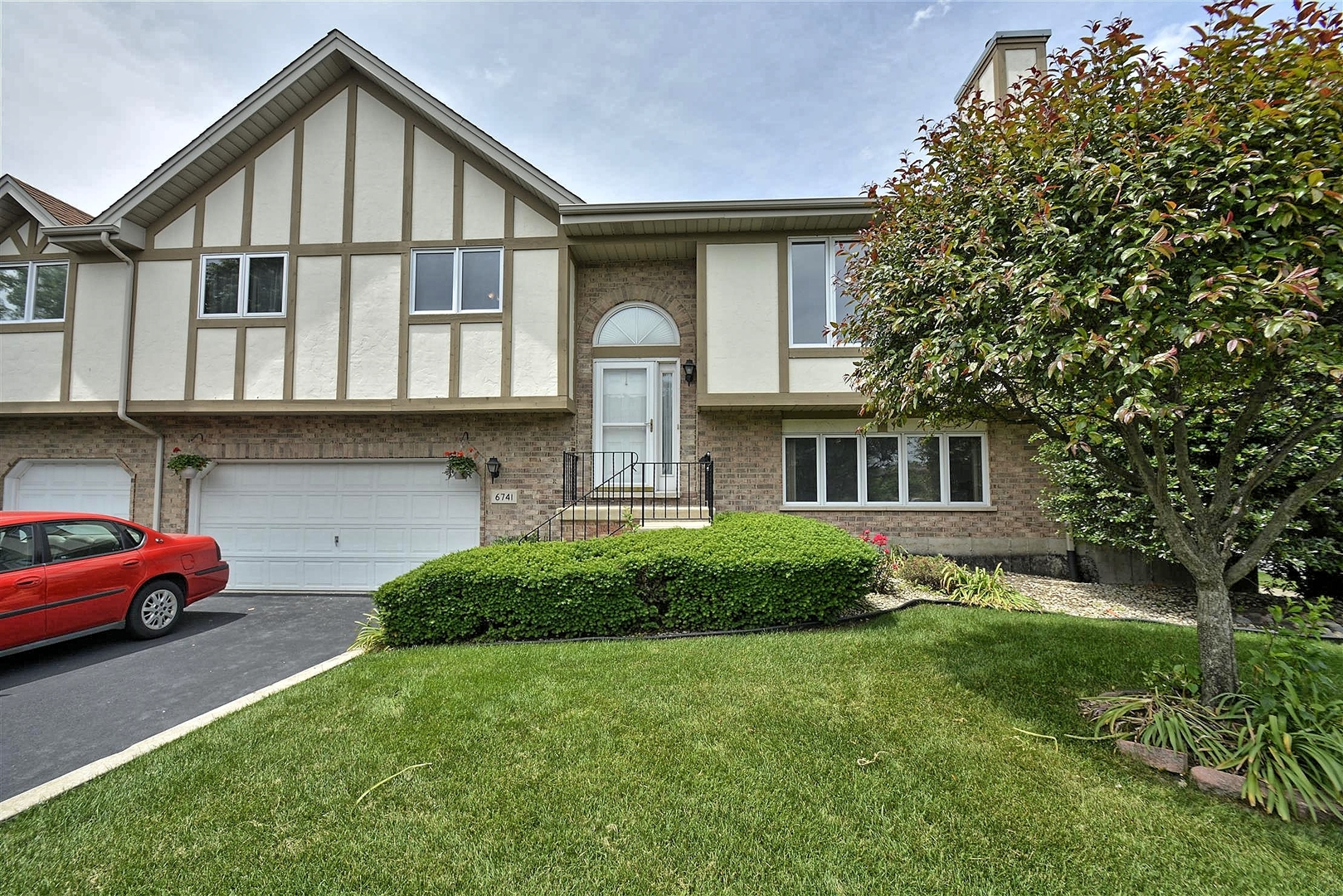 6741 181st Street, Tinley Park in Cook County, IL 60477 Home for Sale