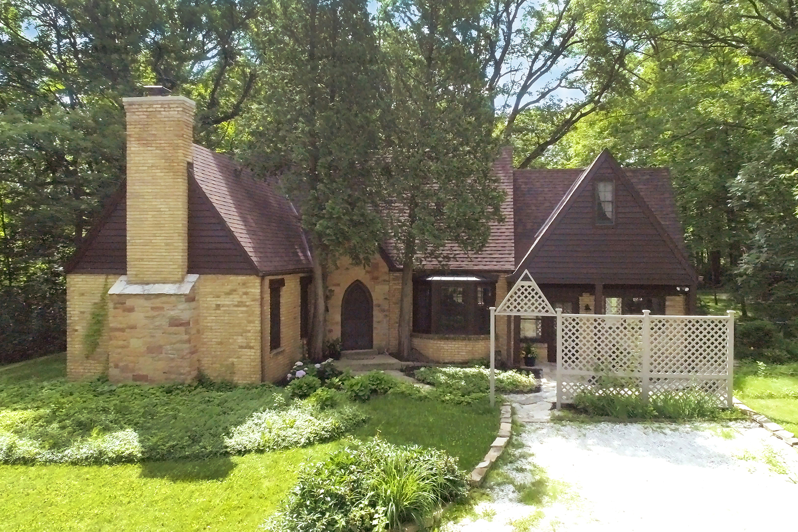 25780 West August Lane, Lake Zurich in Lake County, IL 60047 Home for Sale