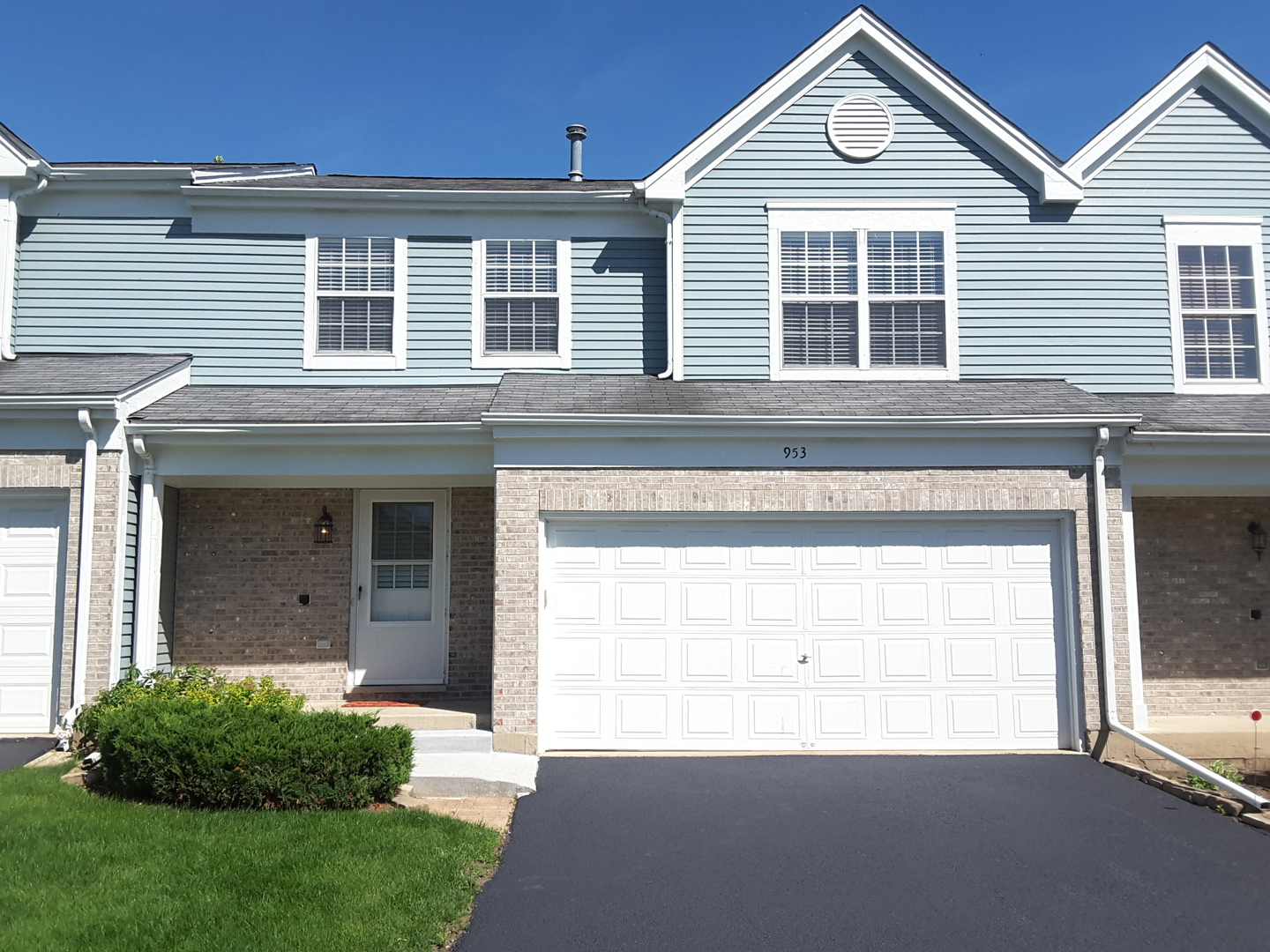 953 Old Oak Circle, Algonquin in Mc Henry County, IL 60102 Home for Sale