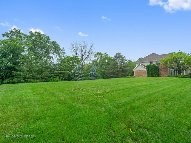 460 60th Place, one of homes for sale in Burr Ridge