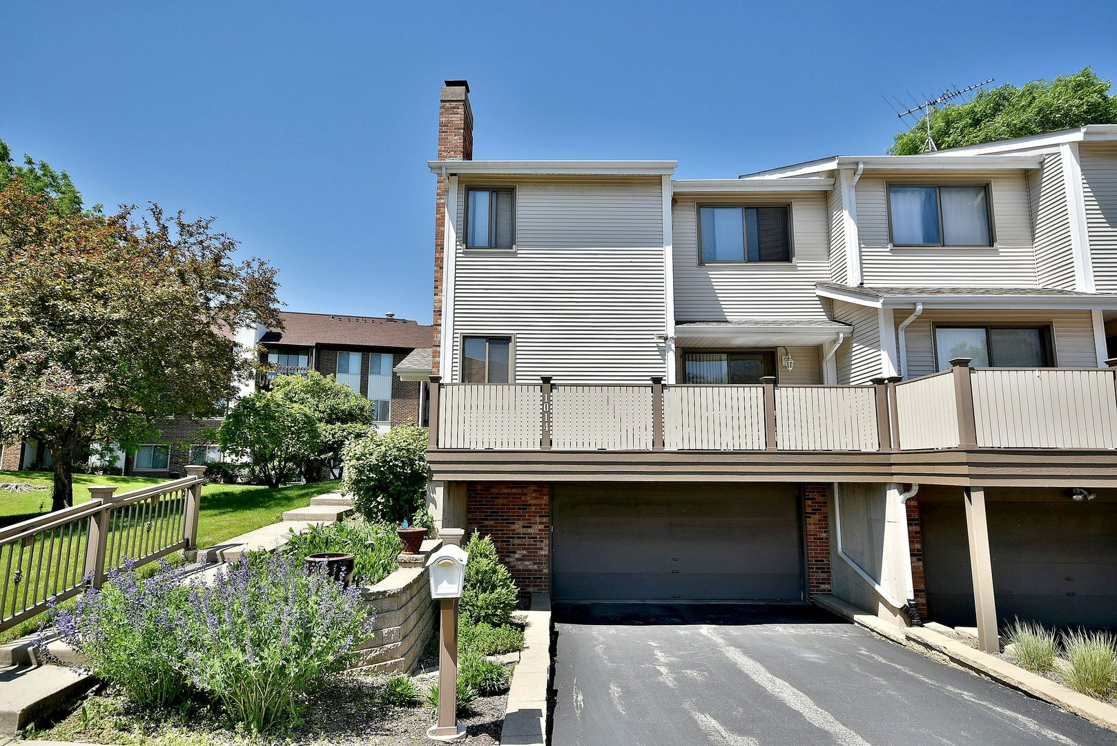 1014 Sussex Drive 1014, Northbrook in Cook County, IL 60062 Home for Sale