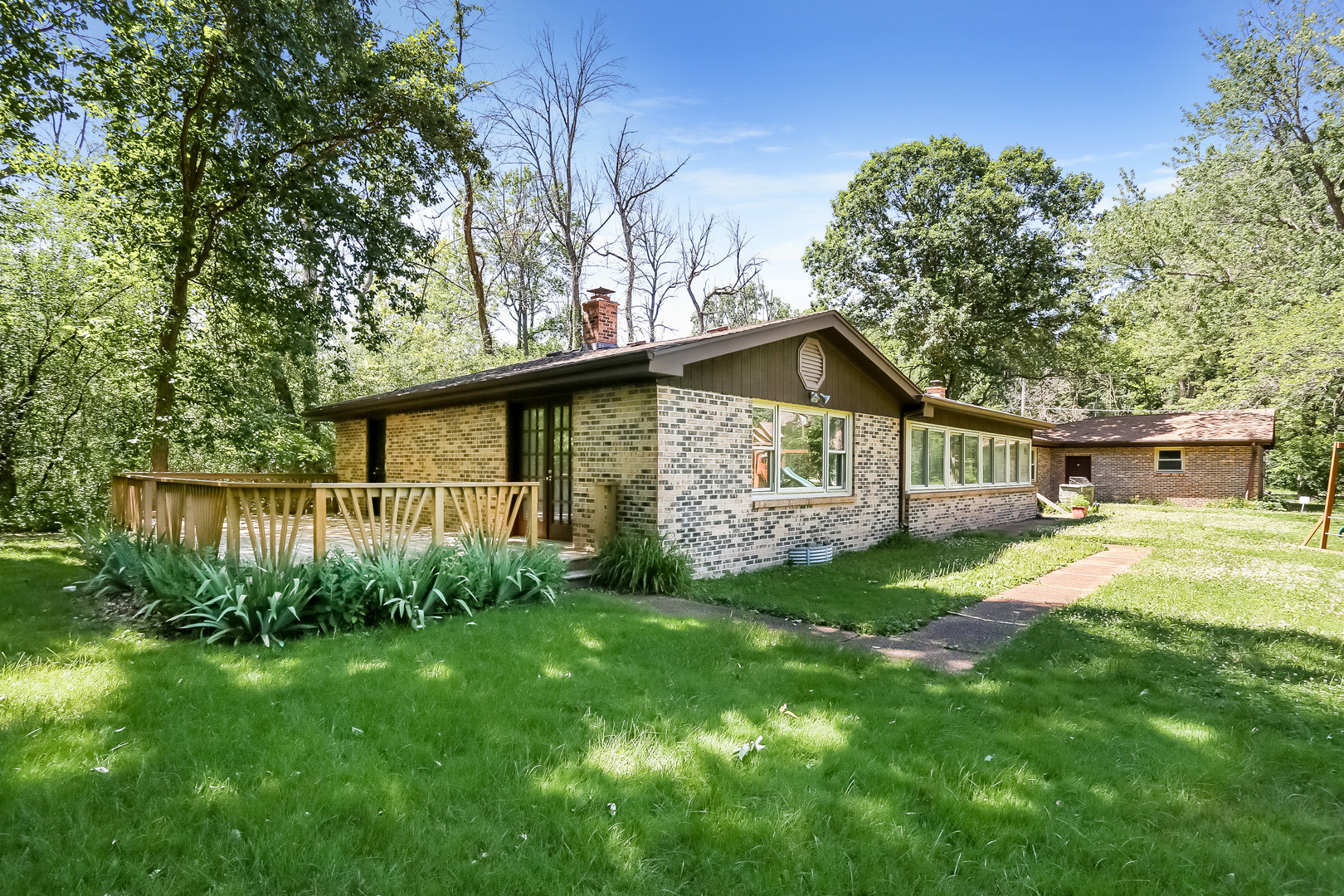 4765 Forest View Drive, Northbrook in Cook County, IL 60062 Home for Sale