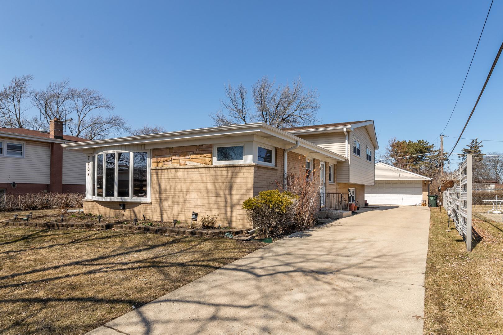 7708 Beckwith Road Morton Grove, IL 60053