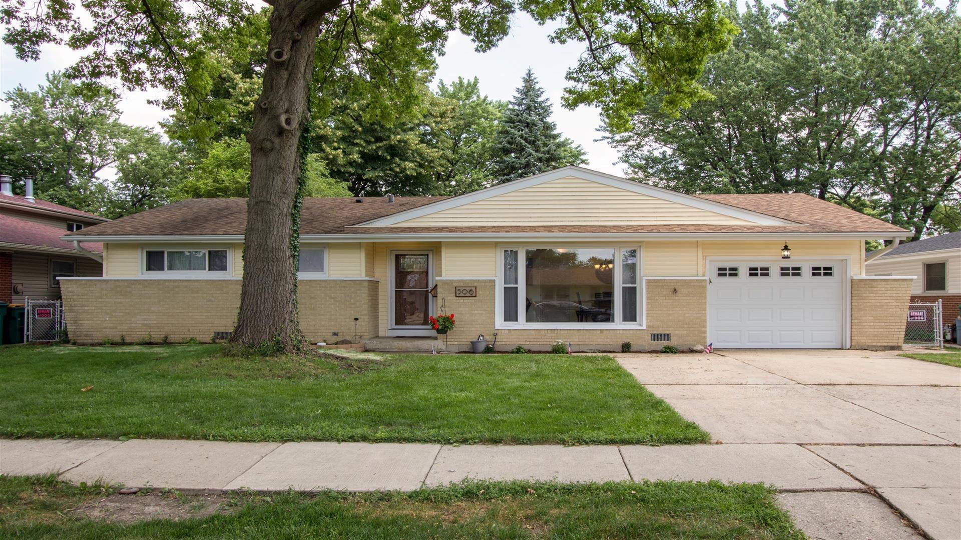 506 BRIARWOOD Lane, Elk Grove Village in Cook County, IL 60007 Home for Sale