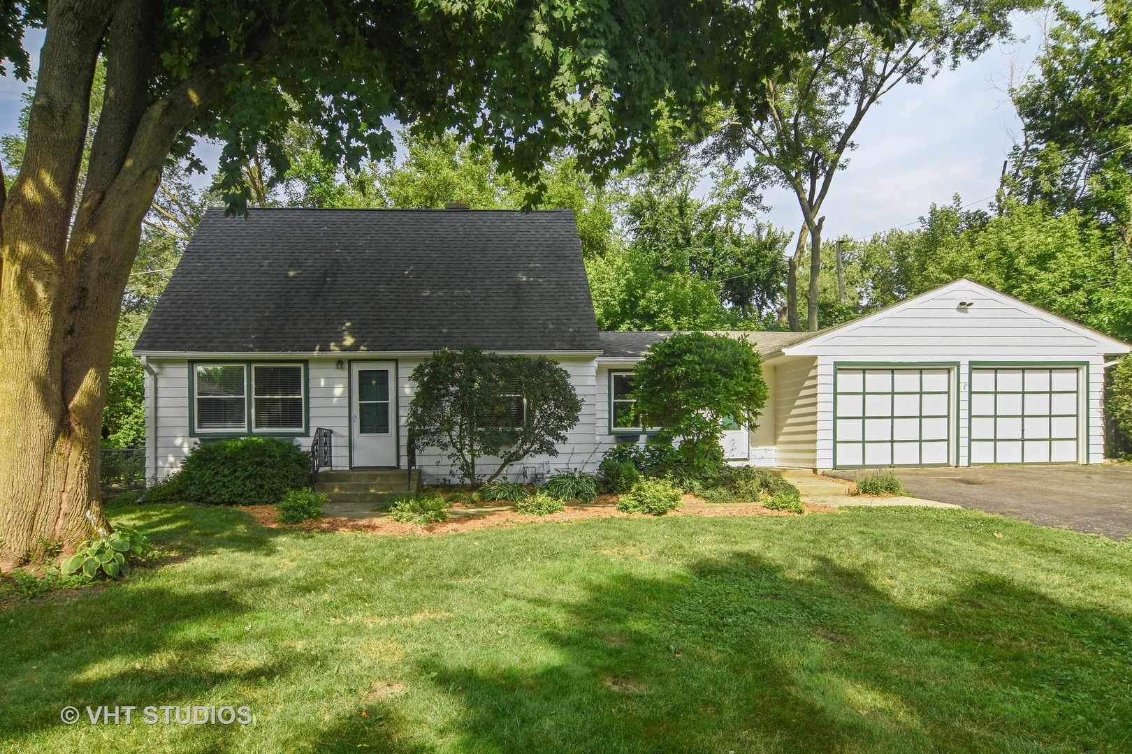 23600 North Cottage Road, Lake Zurich in Lake County, IL 60047 Home for Sale
