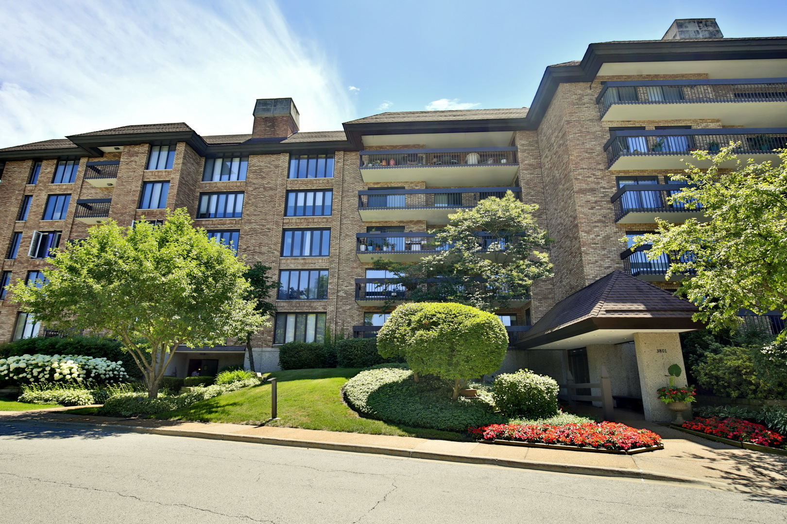 3801 Mission Hills Road 405, Northbrook in Cook County, IL 60062 Home for Sale