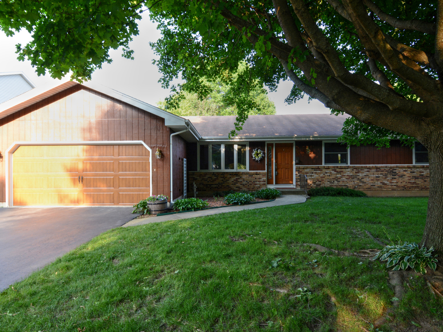 905 Carriage Drive, Algonquin in Mc Henry County, IL 60102 Home for Sale