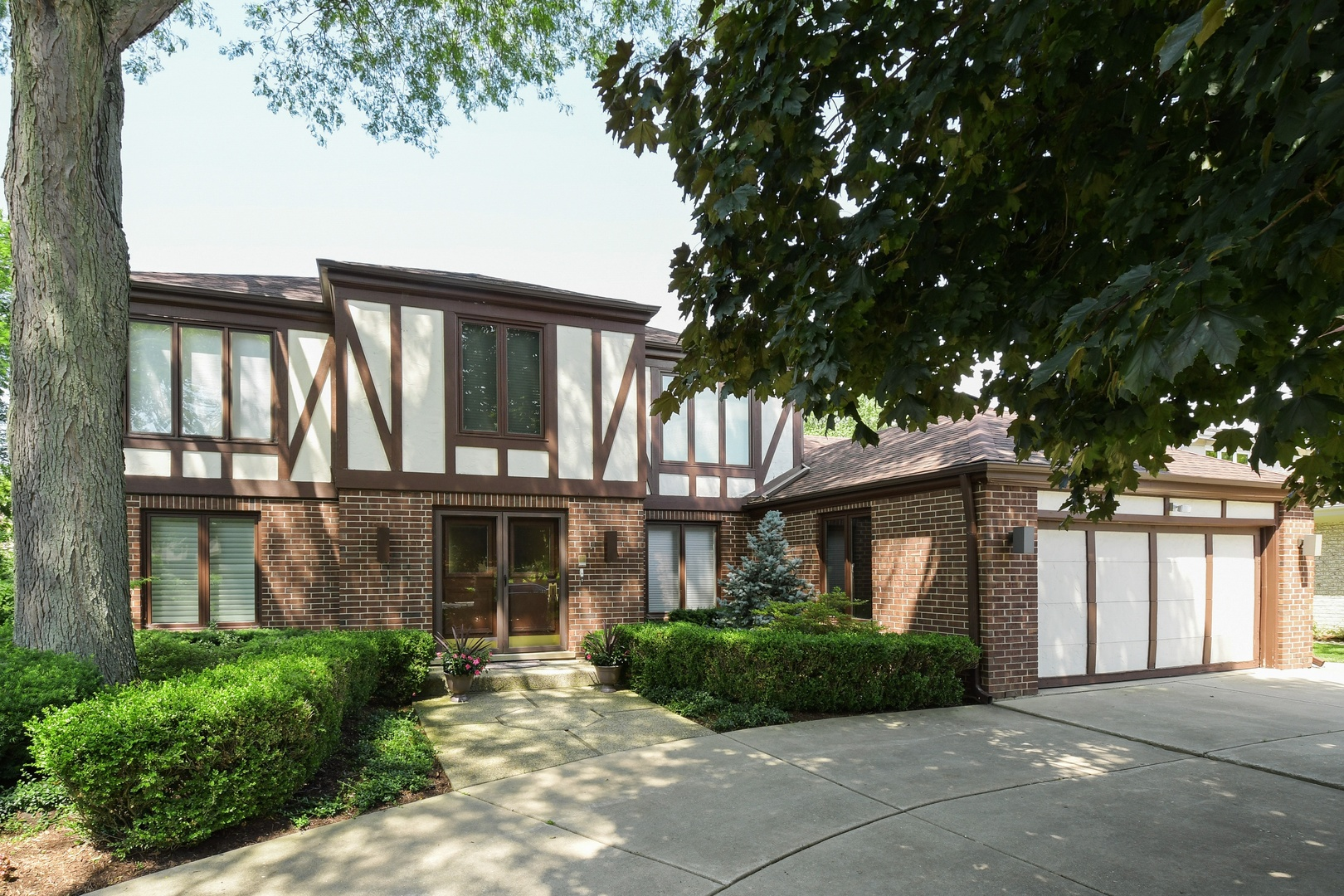 1920 Greenview Road, Northbrook, Illinois