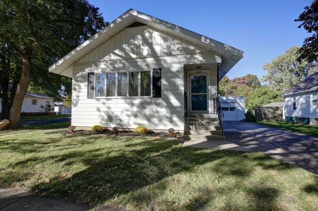 1416 West Park Avenue, Champaign in Champaign County, IL 61821 Home for Sale