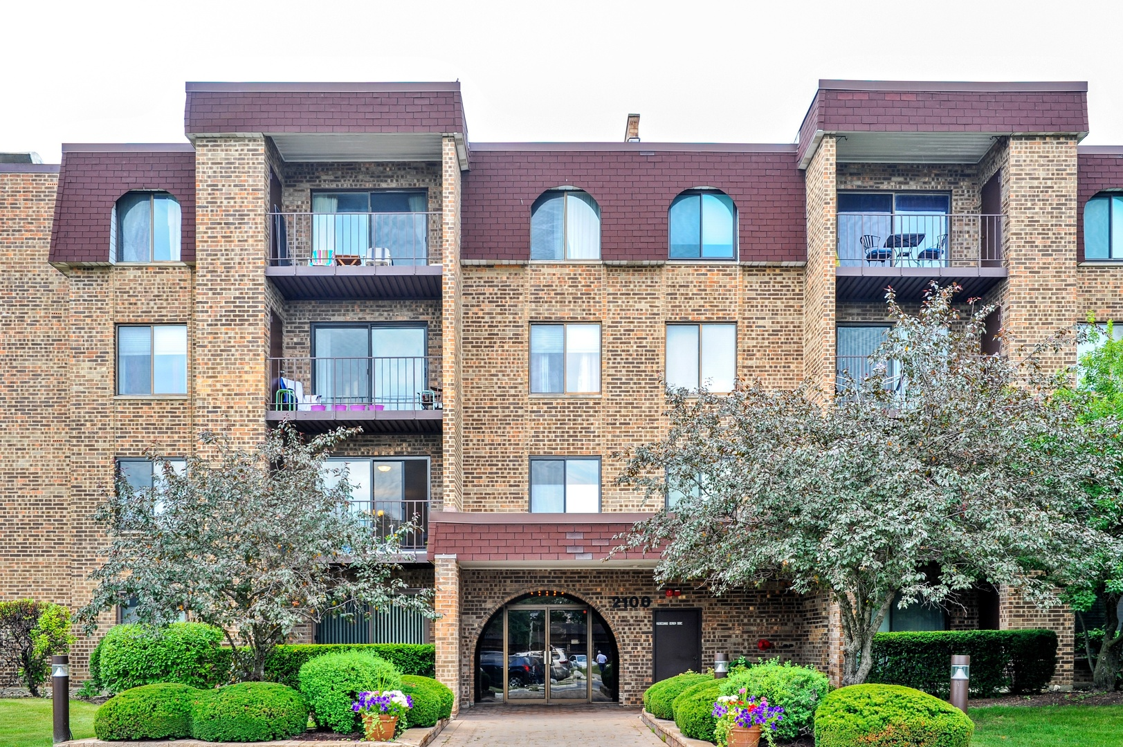 2100 VALENCIA Drive 314, Northbrook in Cook County, IL 60062 Home for Sale