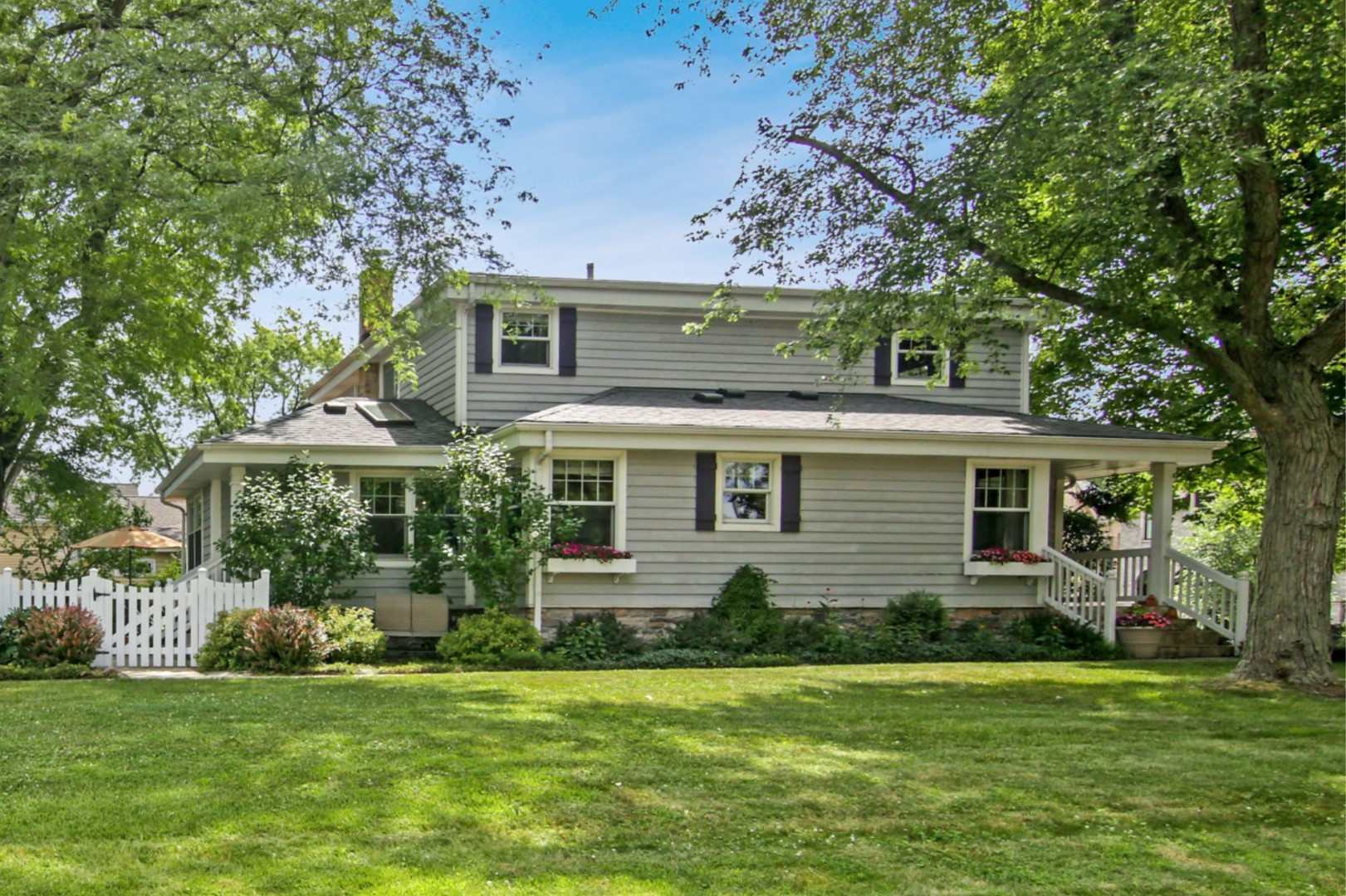 2176 Brentwood Road, Northbrook in Cook County, IL 60062 Home for Sale