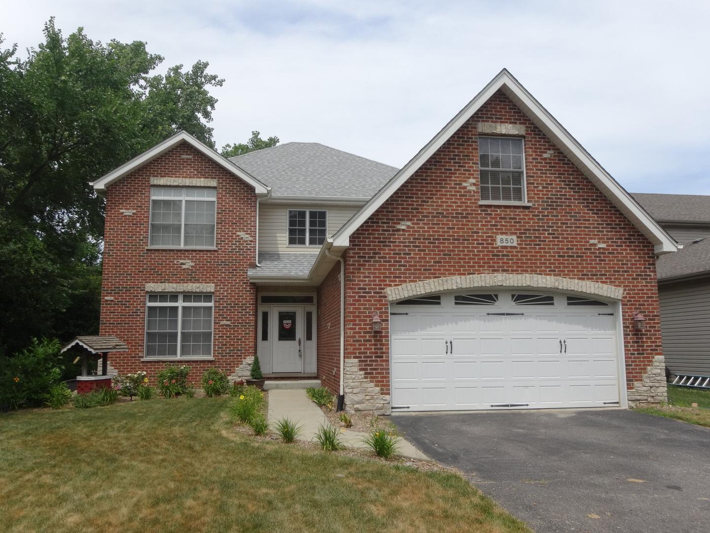850 Red Oak Street Addison, IL 60101