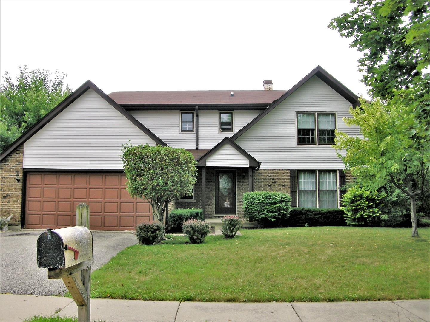 529 NORTHPORT Drive, Elk Grove Village, Illinois