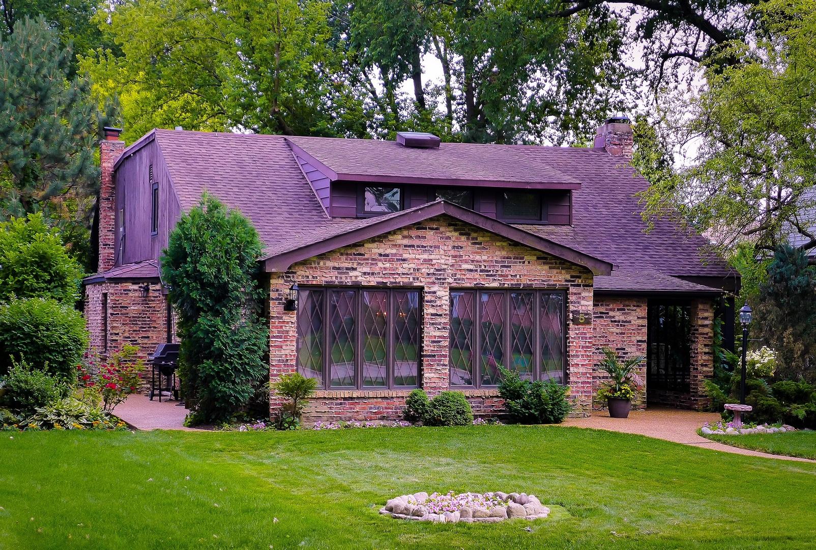 5 Smithwood Drive Morton Grove, IL 60053