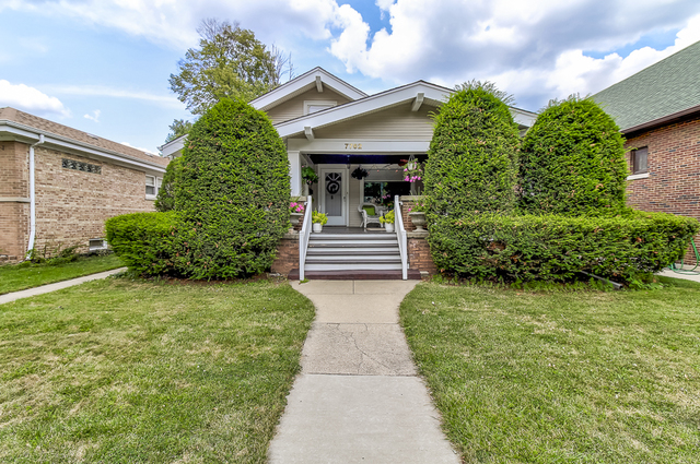 7762 West North Shore Avenue, Chicago-Edison Park in Cook County, IL 60631 Home for Sale