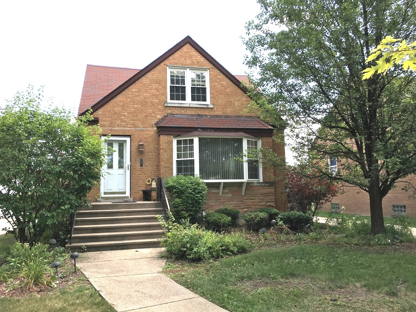 1547 Hull Avenue Westchester, IL 60154