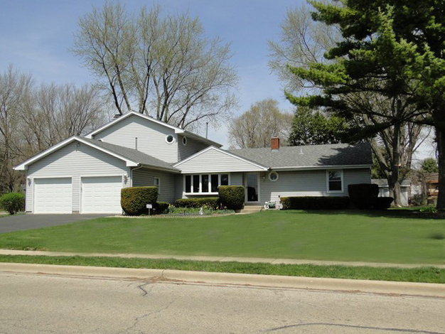 2 HICKORY Lane, Algonquin in Mc Henry County, IL 60102 Home for Sale