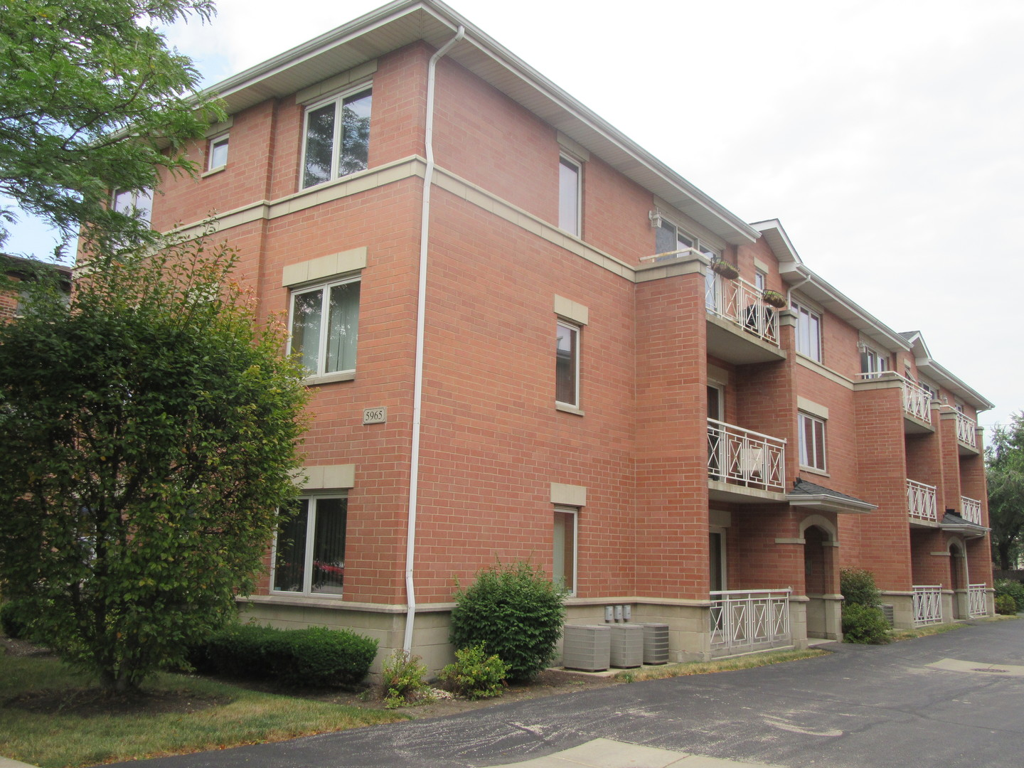 5965 North Northwest Highway 101, Chicago-Edison Park in Cook County, IL 60631 Home for Sale