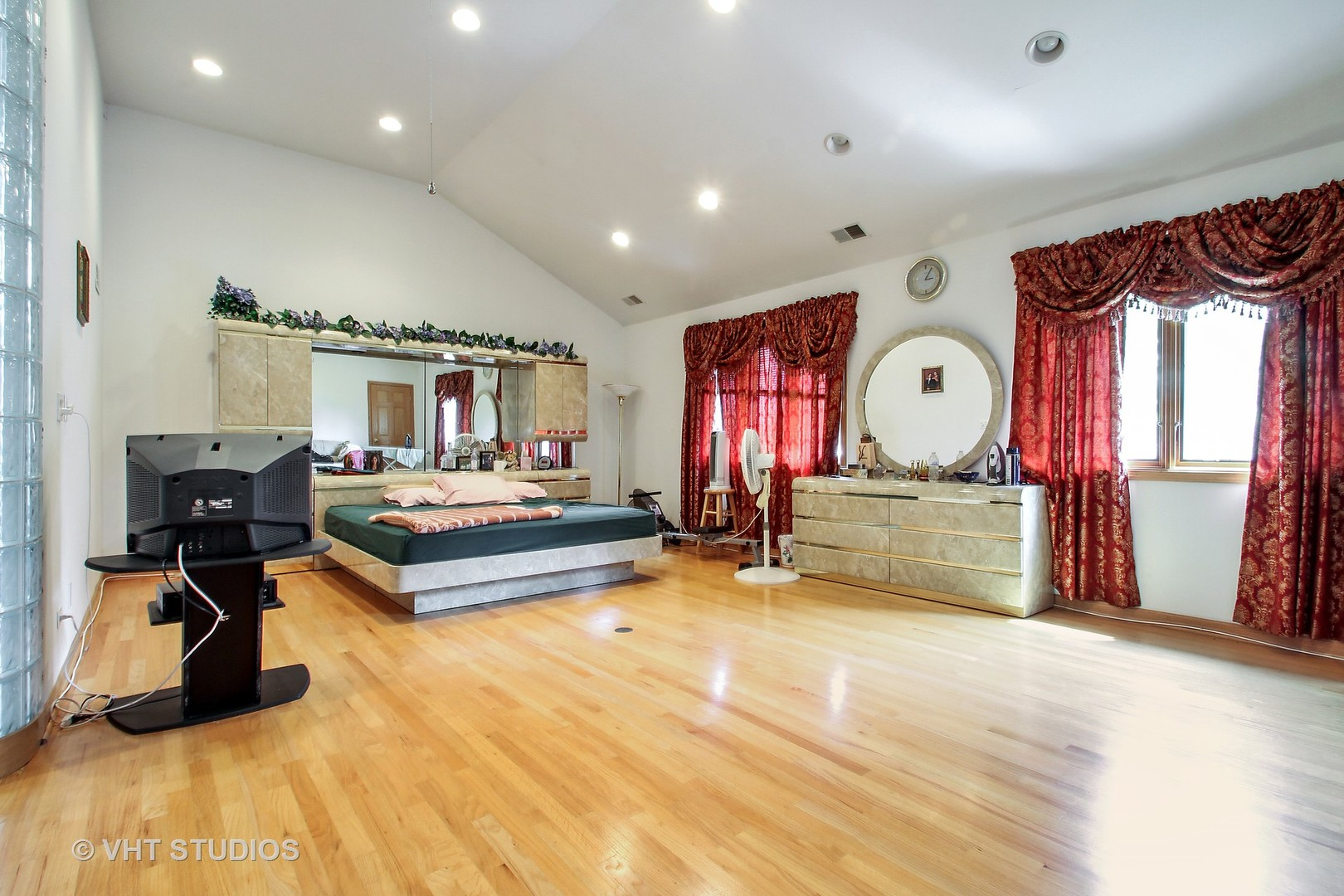 2427 Covert Road - photo 4