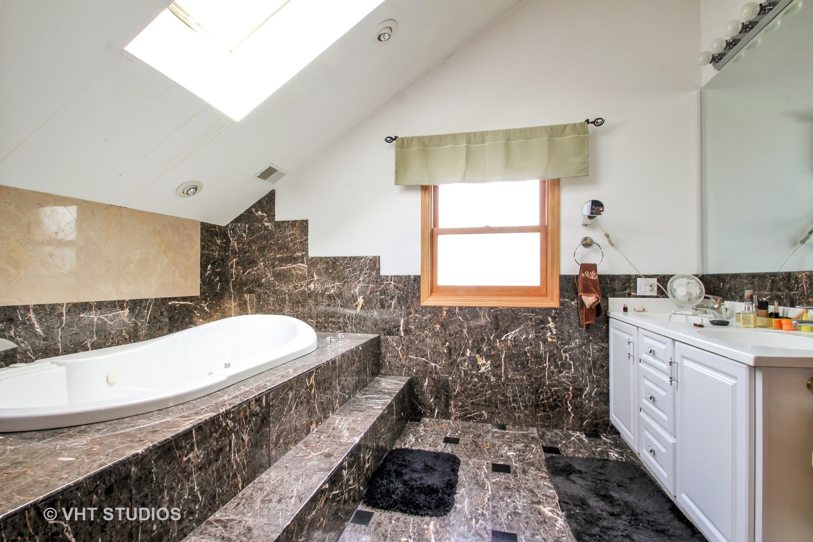 2427 Covert Road - photo 6