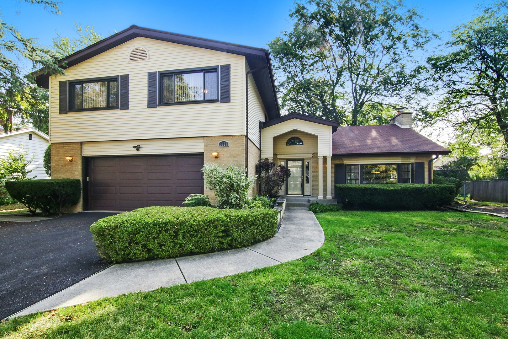 1731 Sunnyside Circle, Northbrook in Cook County, IL 60062 Home for Sale
