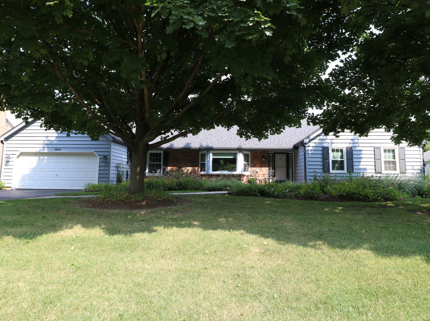 1450 Spring Hill Drive, Algonquin in Kane County, IL 60102 Home for Sale
