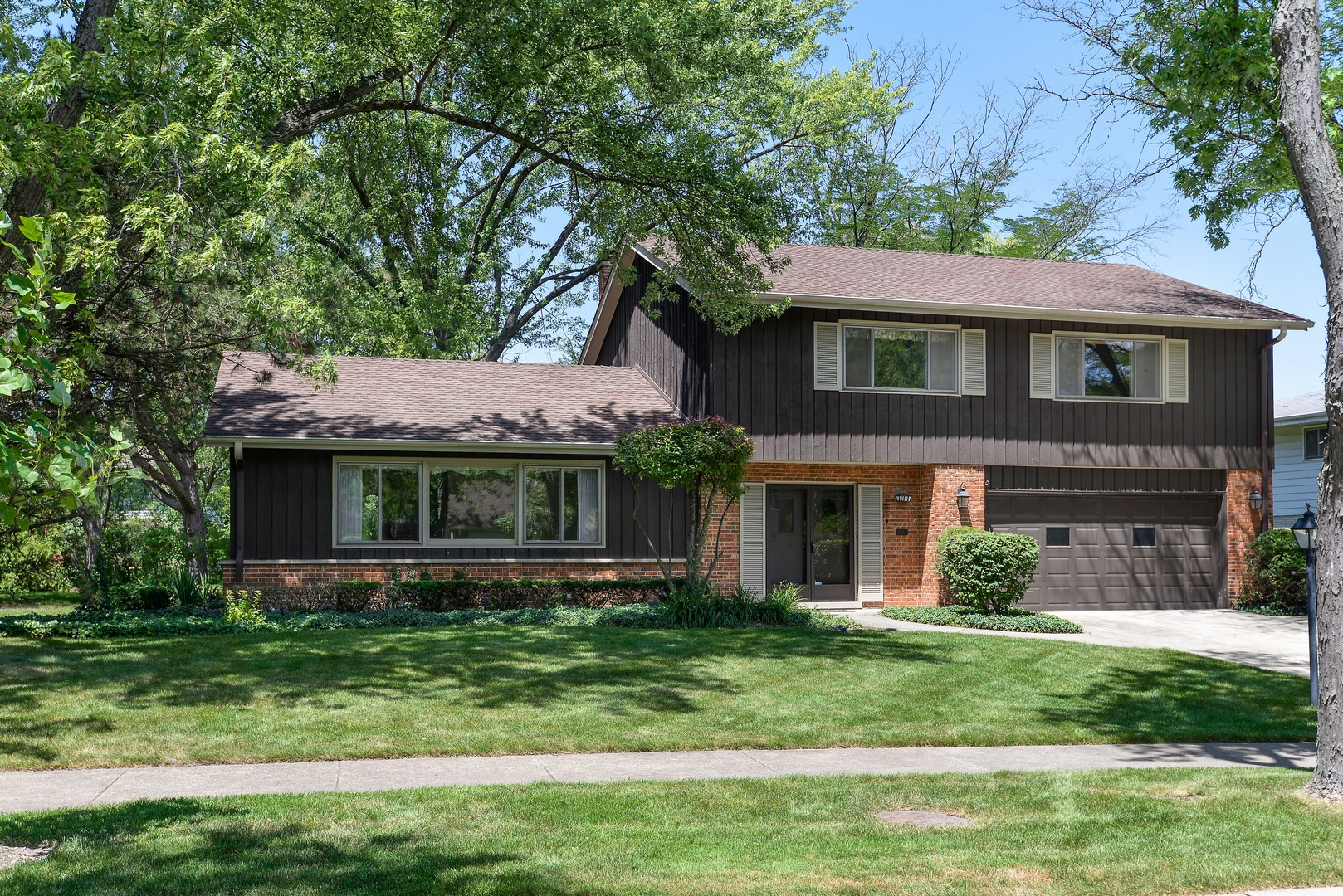 1810 Sunnyside Circle, Northbrook in Cook County, IL 60062 Home for Sale