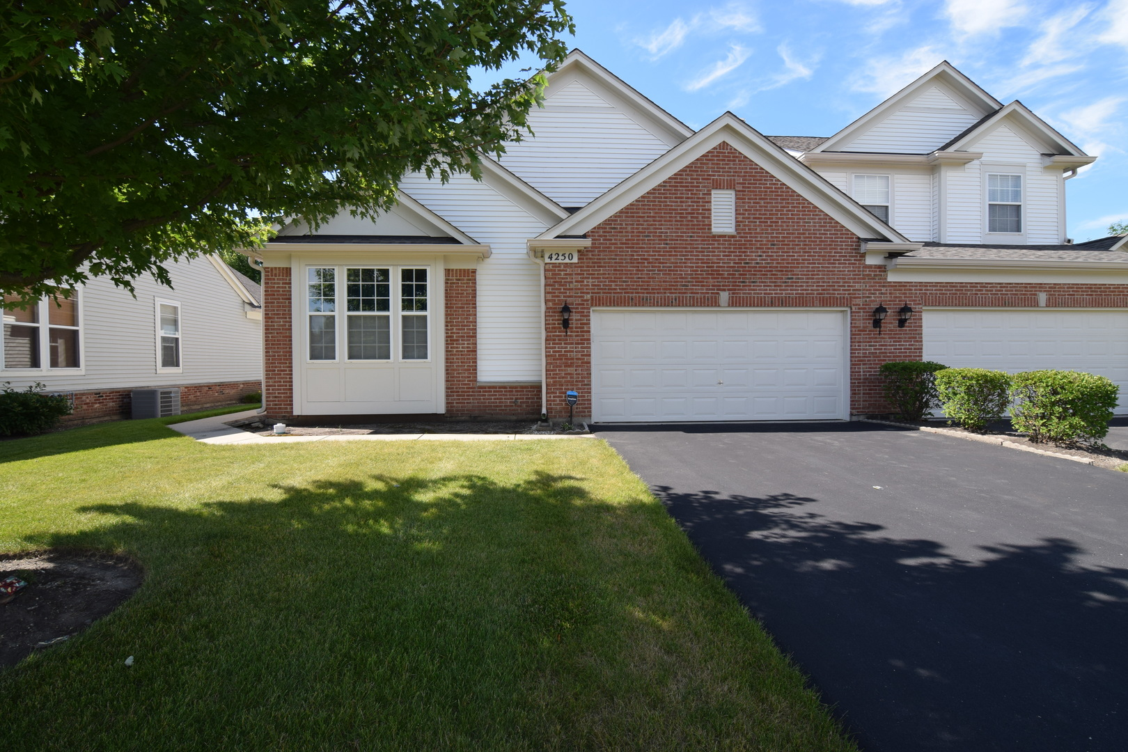 4250 WHITEHALL Lane, Algonquin in Mc Henry County, IL 60102 Home for Sale