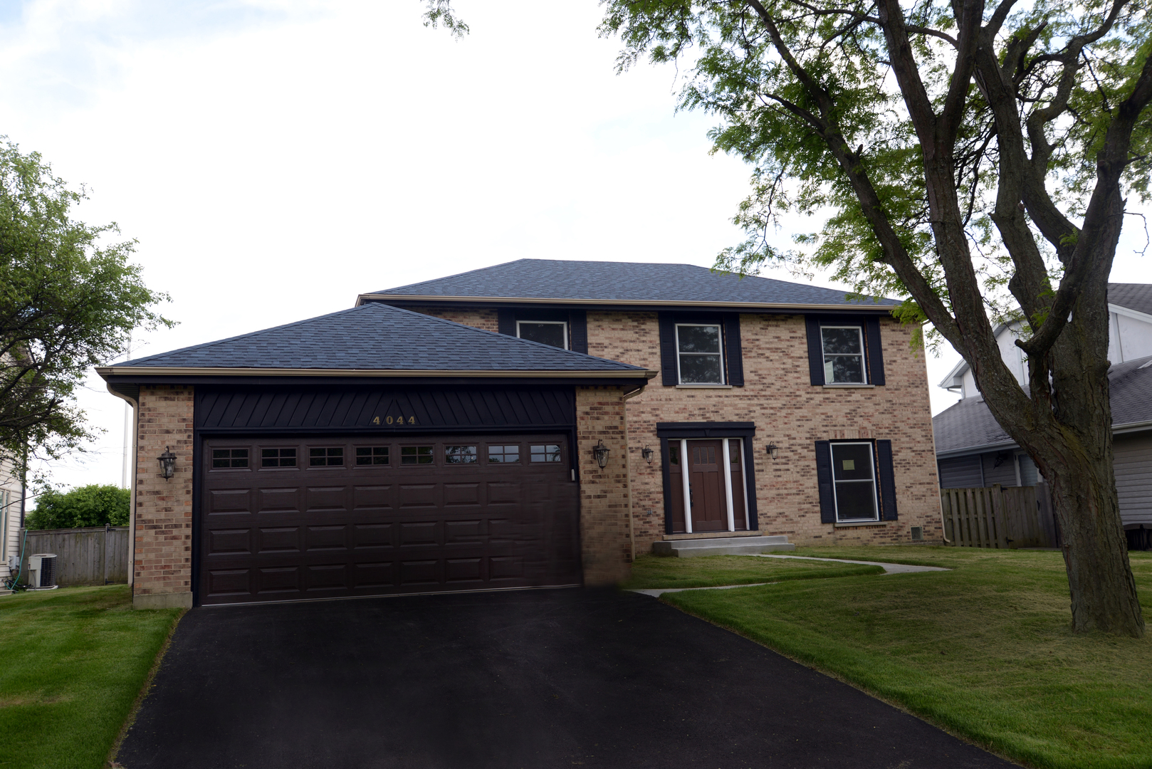 4044 LINDENWOOD Lane, Northbrook in Cook County, IL 60062 Home for Sale