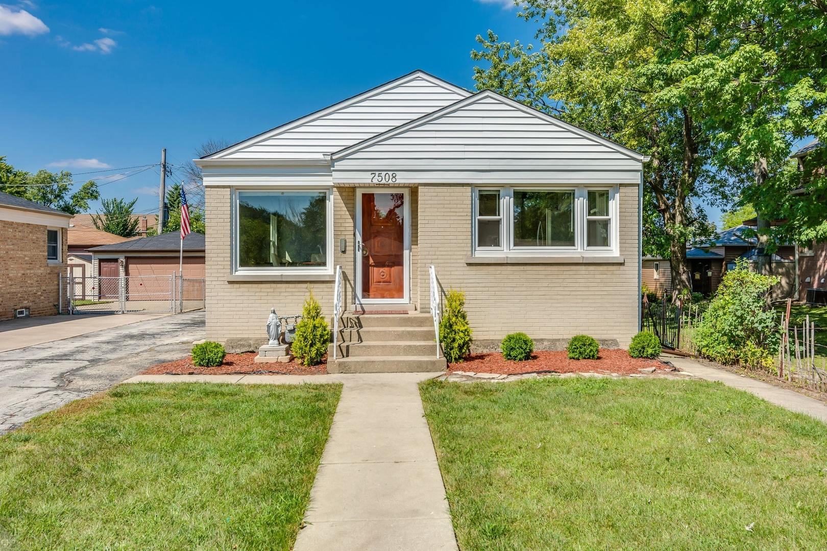 7508 West Touhy Avenue, Chicago-Edison Park in Cook County, IL 60631 Home for Sale