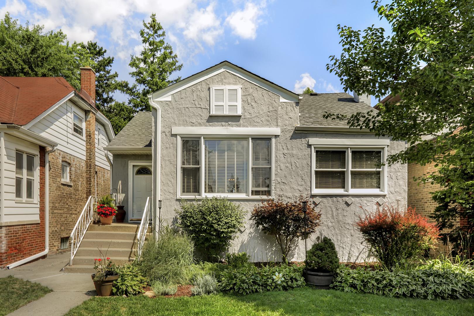 6015 North Navarre Avenue, Chicago-Edison Park in Cook County, IL 60631 Home for Sale
